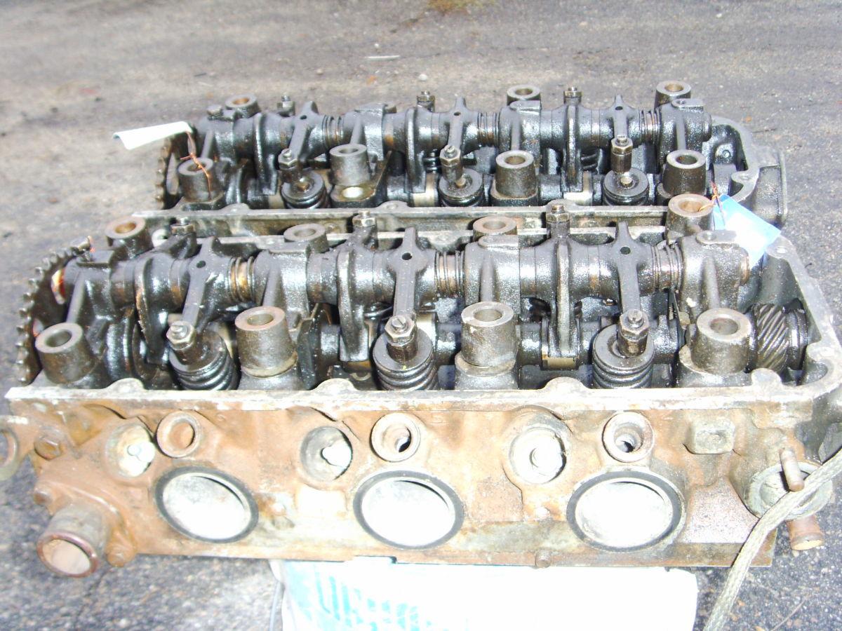 Фото 5 - На RENAULT 25, VOLVO 264 B27i V6 головки блока правая и левая.