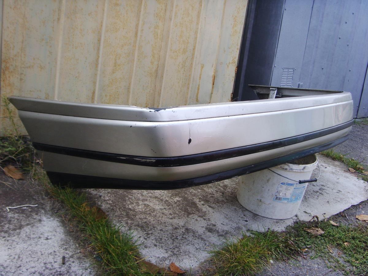 Фото - На SEAT TOLEDO 1 задний бампер оригинальный.