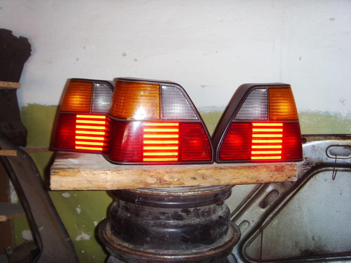 Фото - На VW Golf 2 фонари задние правый и левый оригинальные.