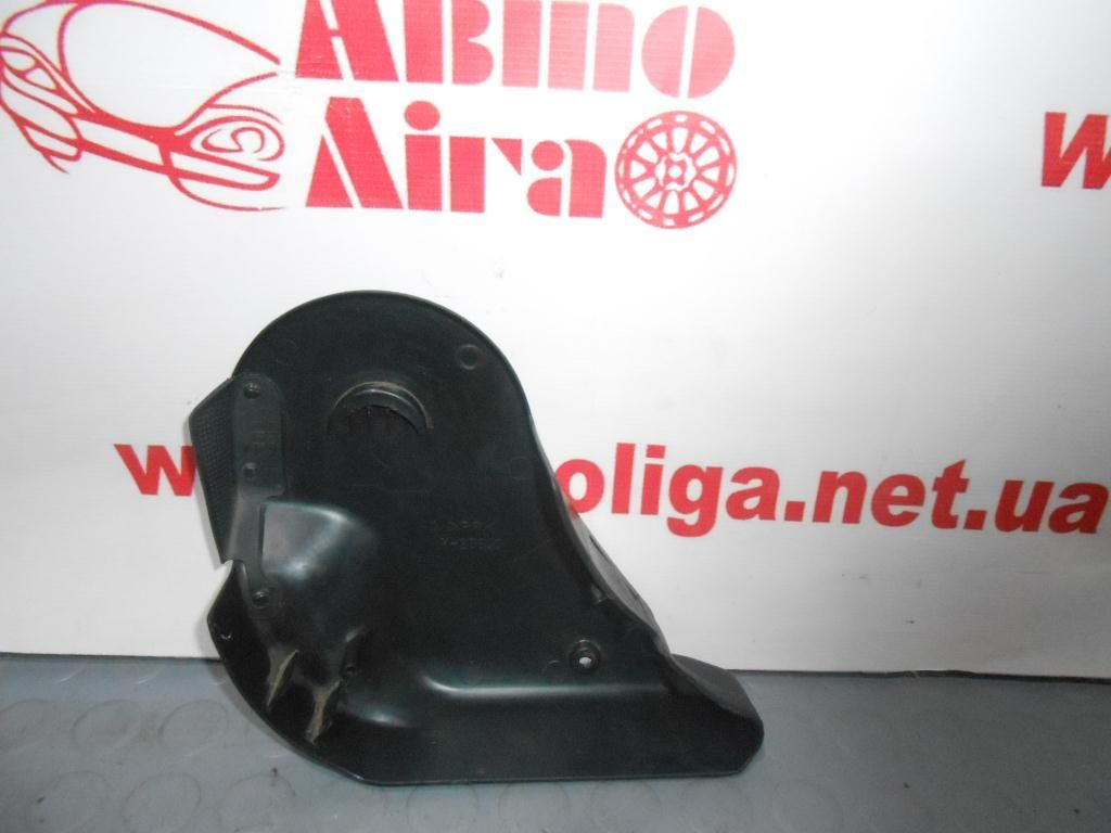 Фото 3 - Патрубок распределения воздуха (MR460028) MITSUBISHI Pajero III 00-06