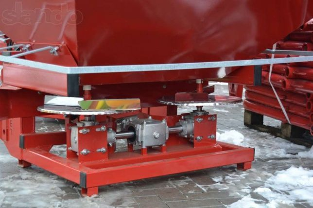 Фото 5 - Разбрасыватель минеральных удобрений 500, 1000 кг Jar-Met Польша