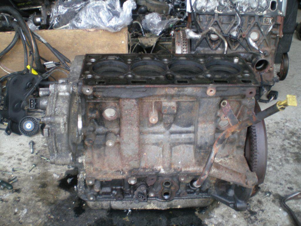 Фото - Двигатель Opel Vivaro 2.5 DCI 2001-2006