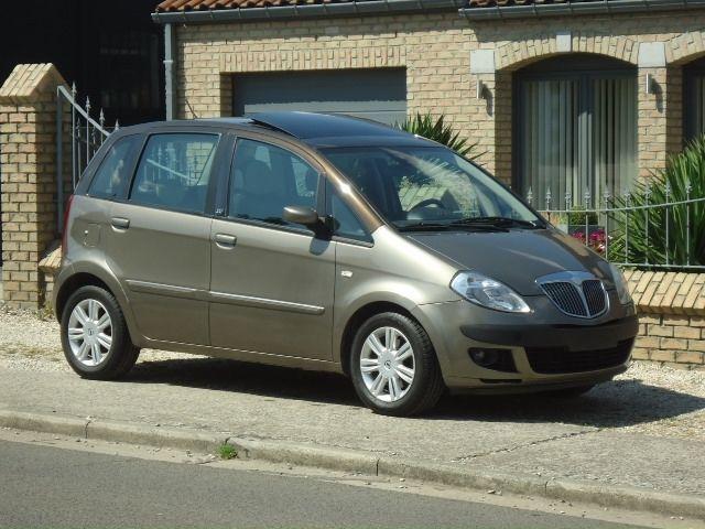 Фото - Стекло двери: задней передней Lancia Musa (Лянча Муса) 2004-2012 год .