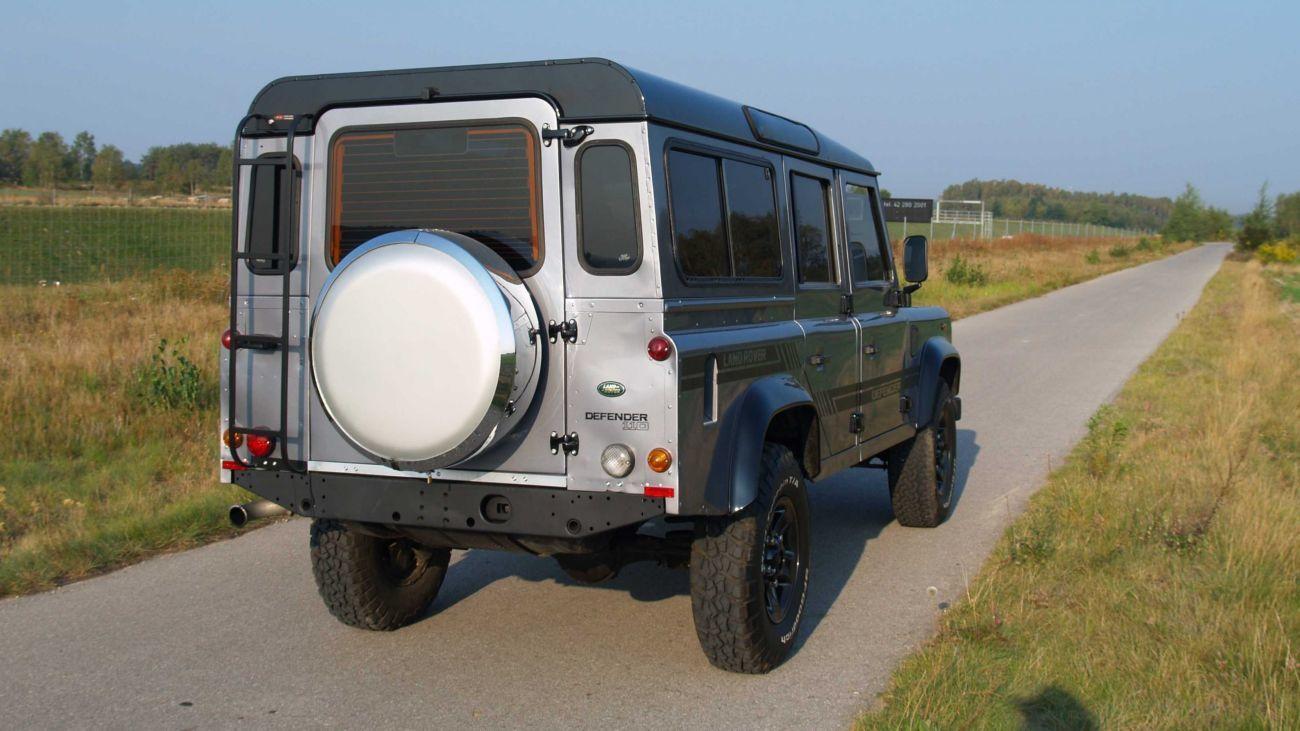 Фото - Стекло багажника Lаnd Rover Defender (Ленд Ровер Дефендер) 1990-2015 г