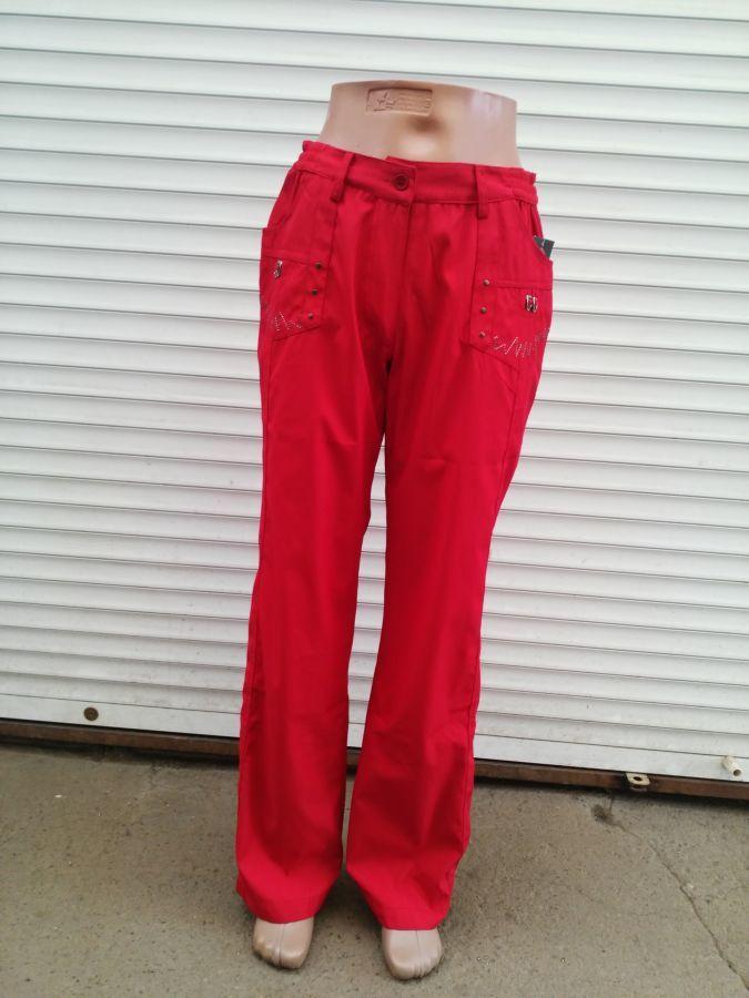 Фото - Женские брюки из плащёвки. Венгрия