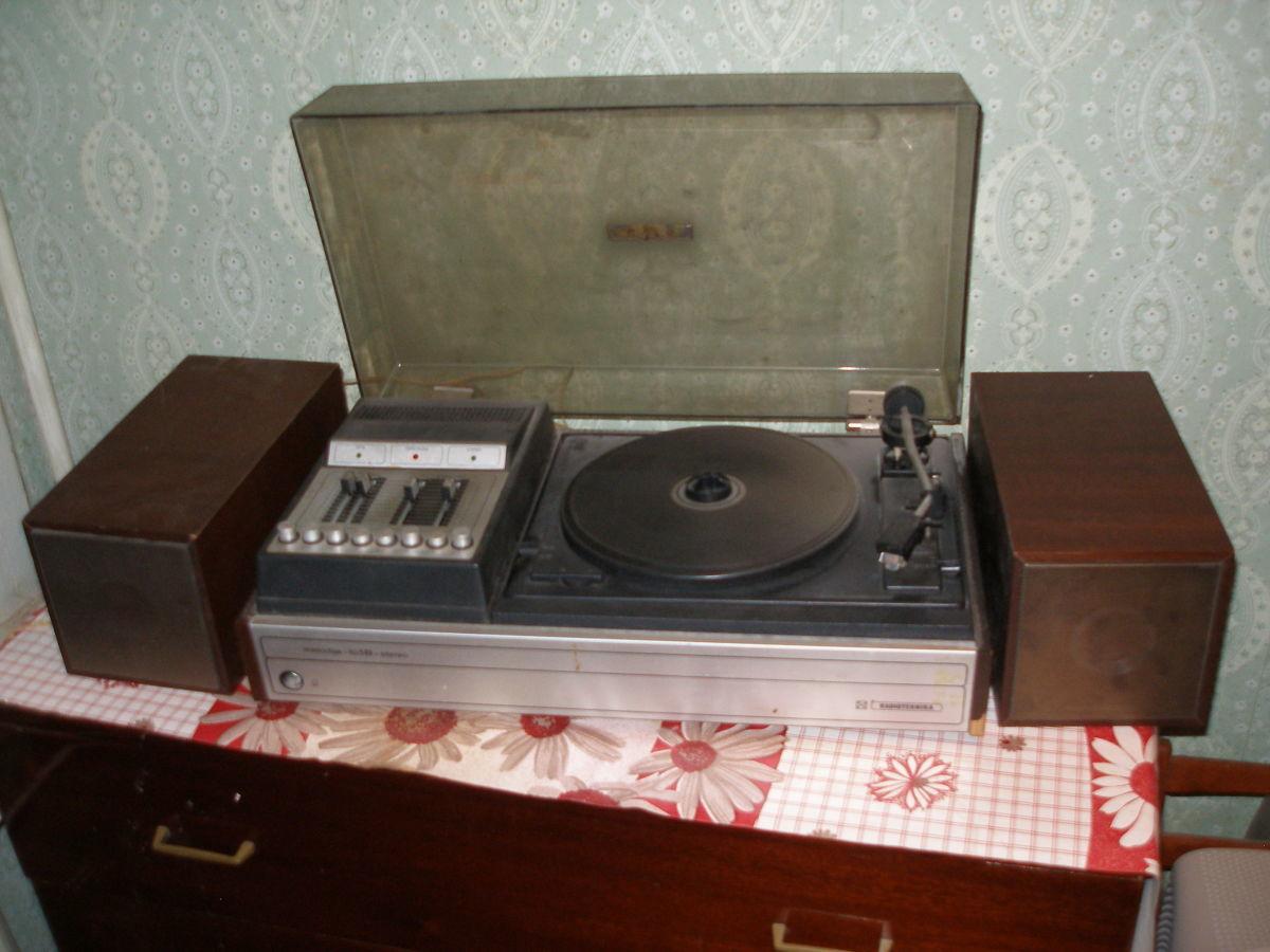 Фото - продам проигрыватель виниловых дисков radiotehnika melodia 103 b