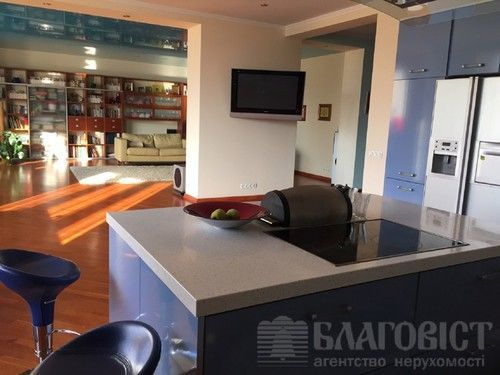 Антоновича ул.140 продам квартиру с ремонтом