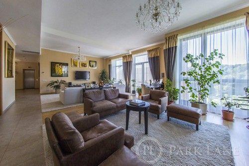 Фото 2 - Продам будинок(670м2) с дизайнерським ремонтом біля Лаври