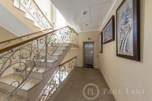 Фото 9 - Продам будинок(670м2) с дизайнерським ремонтом біля Лаври
