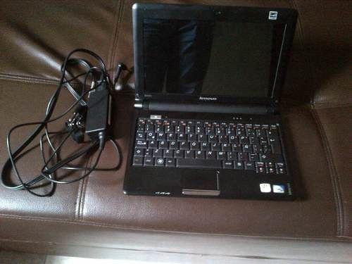 Продажа нерабочего ноутбука Lenovo IdeaPad S100c.