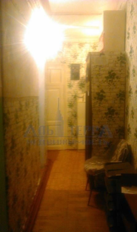Продам  коммунальную квартиру на ул. Коблевская.