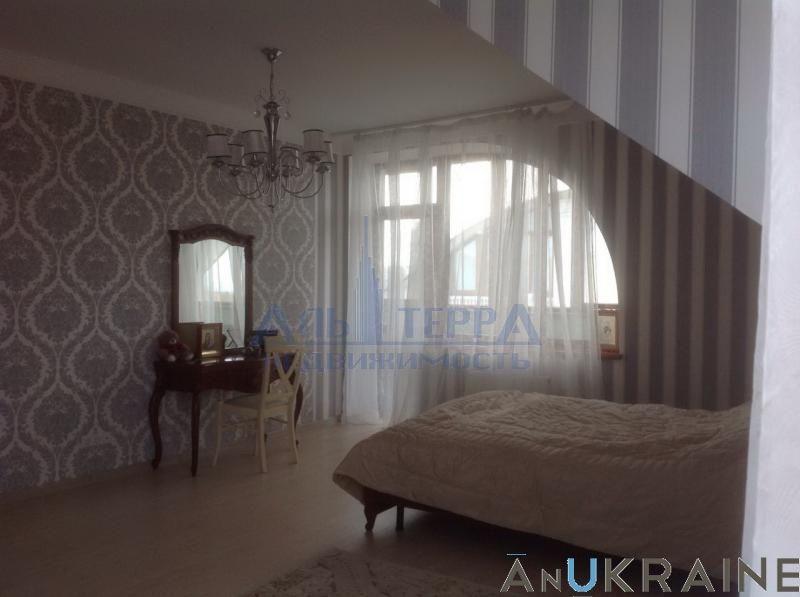 Продам 2-уровневую квартиру в Царском селе