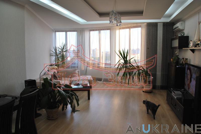 """2-х комнатная квартира в """"Новой Аркадии"""" с видом на море."""