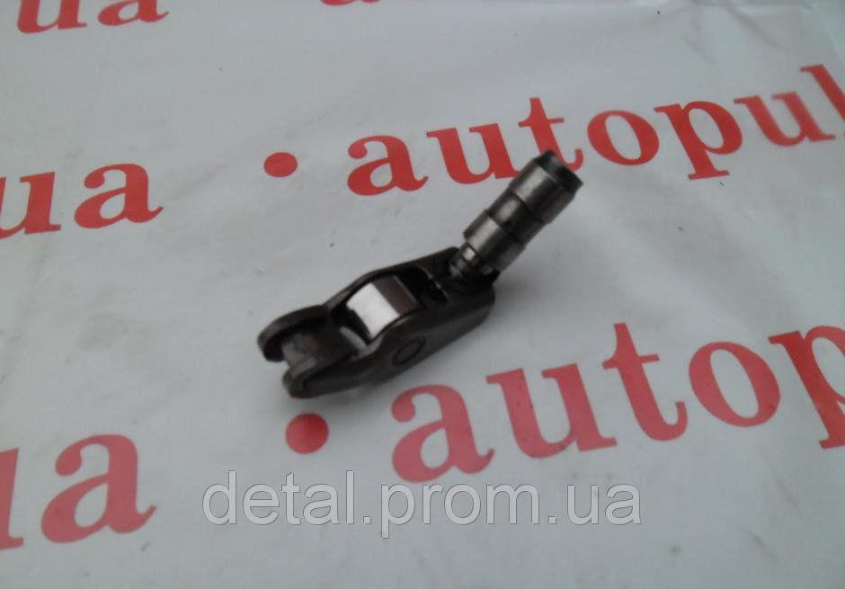 Рокер с компенсатором на Renault Trafic 2.0 dci (Рено Трафик)