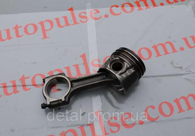 Поршень с шатуном на Opel Vivaro 2.0 cdti Опель Виваро (палец на 30)