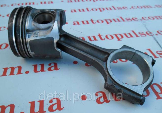 Поршень с шатуном на Opel Vivaro 2.0 cdti Опель Виваро (палец на 32)