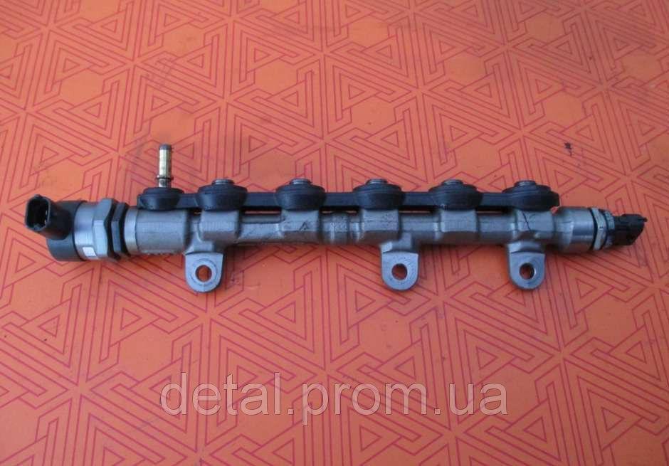 Топливная рейка на Opel Vivaro 2.0 cdti (Опель Виваро) 0445214196