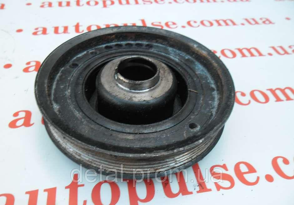 Шкив коленвала на Opel Movano 2.5 cdti