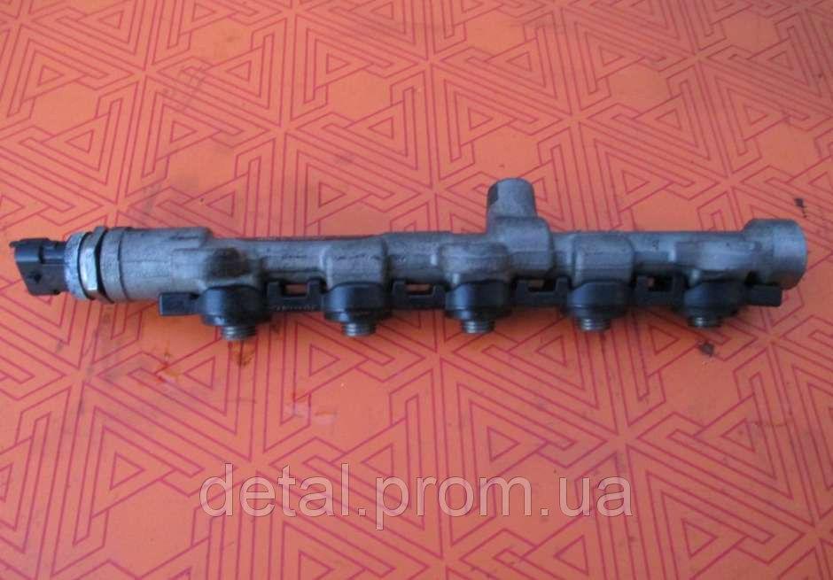 Топливная рейка на Nissan Primastar 2.0 dci 0445214196