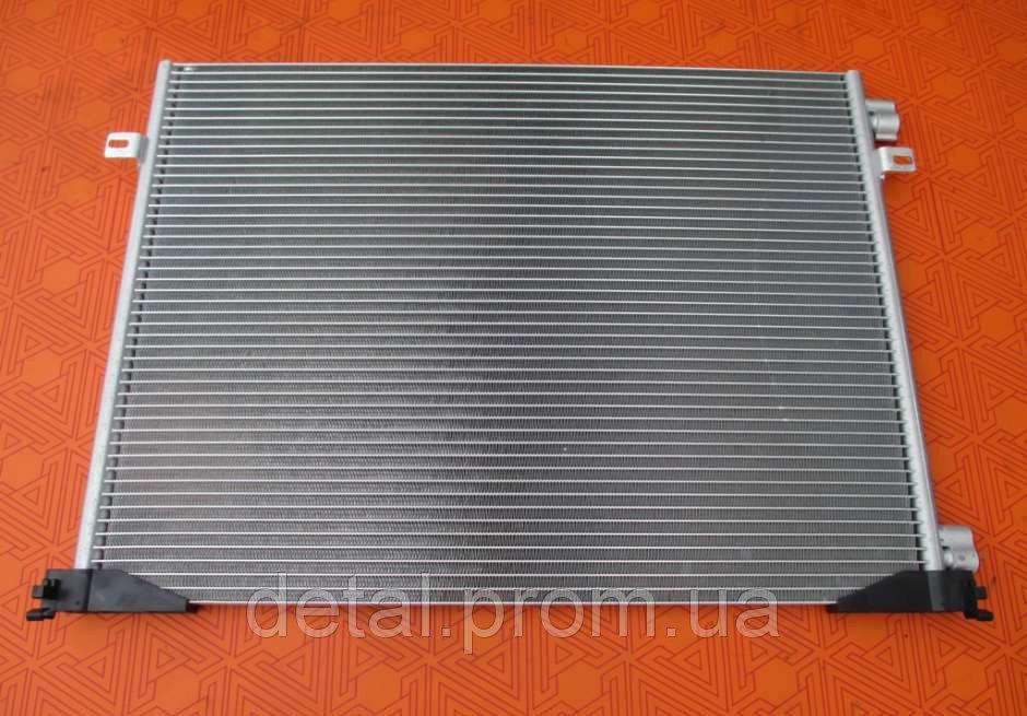 Радиатор кондиционера на Nissan Primastar 2.0 dci новый