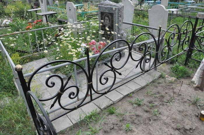 Фото 6 - Оградки кованные, ритуальные на могилу.