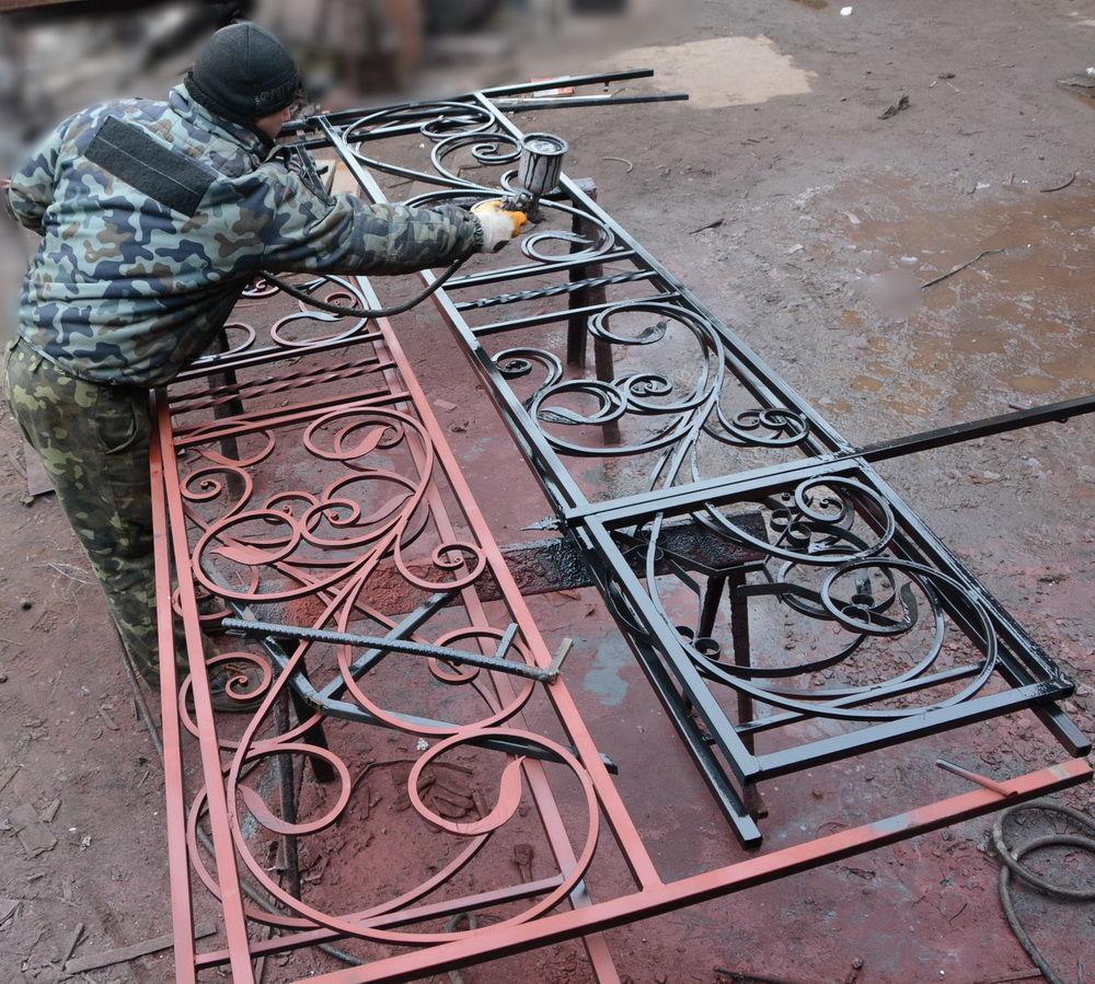 Фото 9 - Оградки кованные, ритуальные на могилу.