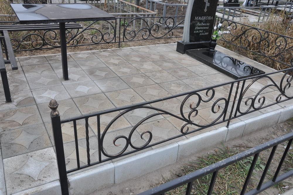 Фото 10 - Оградки кованные, ритуальные на могилу.