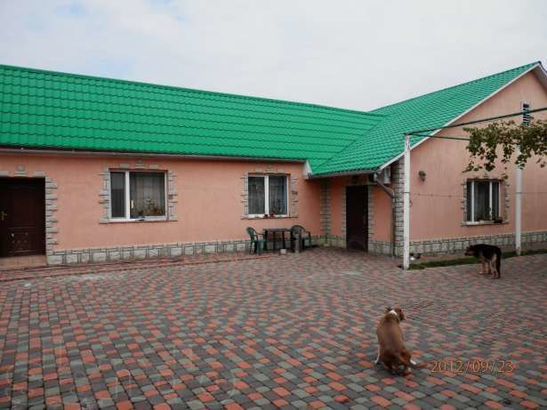 Дом в Ужгороде русской баней бассейном.Всвязи со сменой места прожи