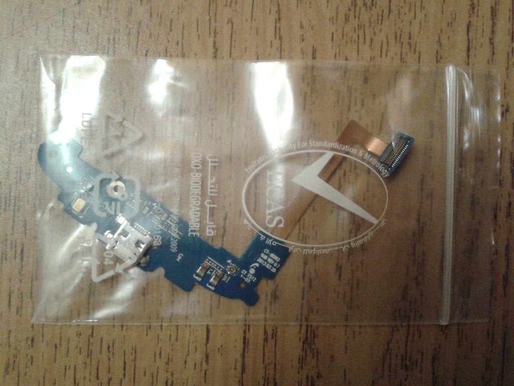 Новая плата Samsung i8262 с USB-разъёмом, микрофоном и шлейфом