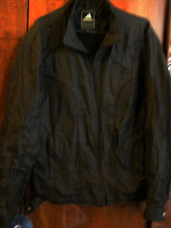 Мужская куртка ветровка Adidas. S-М  195 грн. - Куртки и пуховики ... a109fb4578558