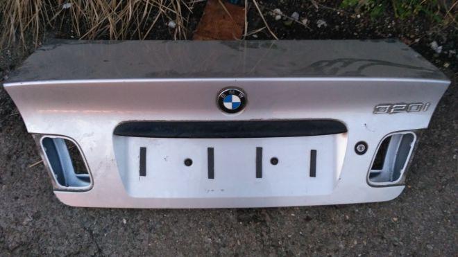 БМВ седан BMW E46 320i кришка крышка багажника E 46