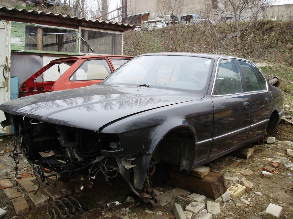 продам запчасти кузова BMW