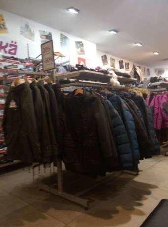 Розпродаємо торгове обладнання (стелажі та стійки) під одяг або взуття  2  750 грн. - Вітрини c7f4693e52fc4