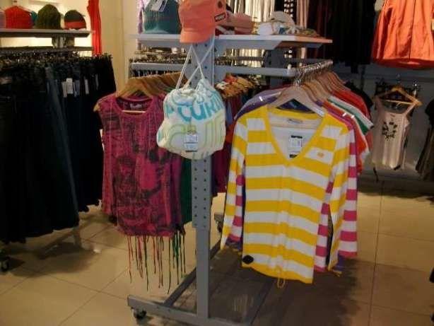 Розпродаємо торгове обладнання (стелажі та стійки) під одяг або ... 8a5142a754ac1