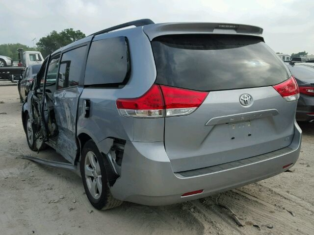 Крышка багажника Toyota Sienna ІІІ (Тойота Сиенна) 2010-2016 год