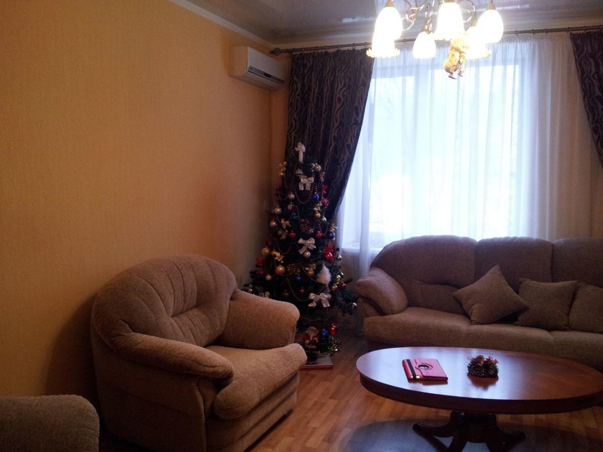 Продам 3-х комнатную квартиру м.Дворец Спорта