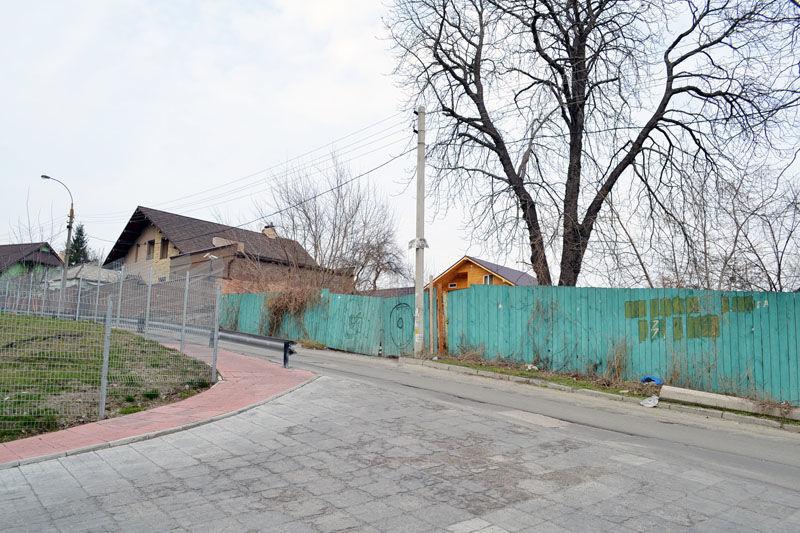 Два видовых участка Киев, Соломенский р-н на Баты́евой горе