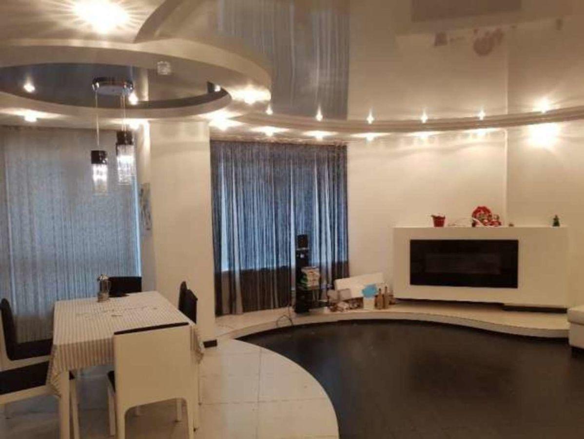 Новый дом на Глушко. 3к квартира с ремонтом и мебелью.