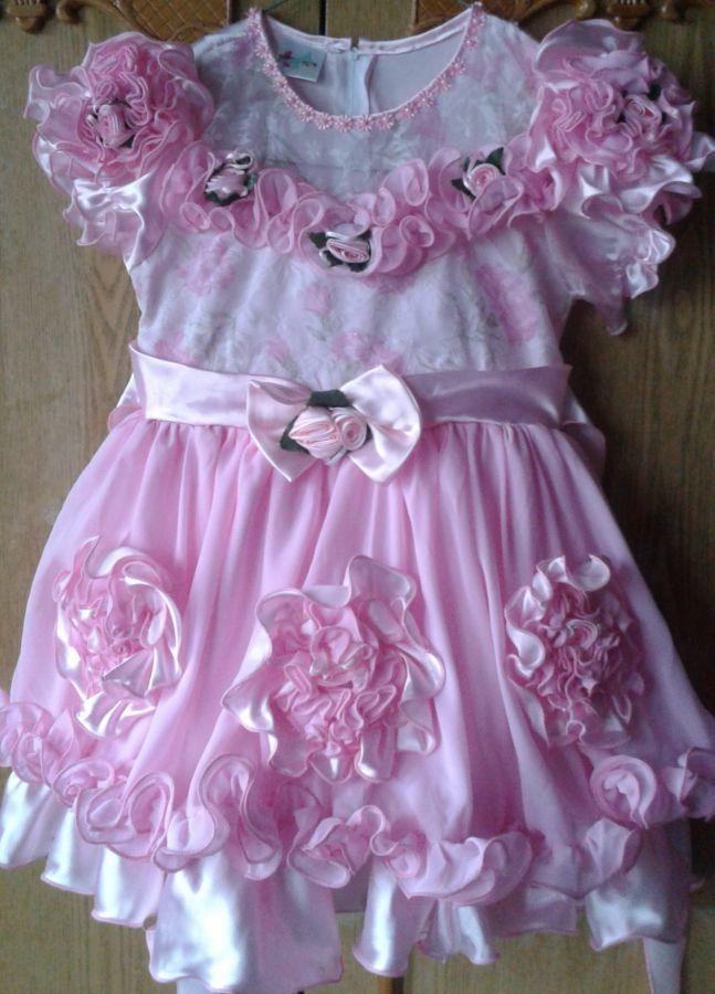 Очень нарядное платье для девочки 6-8 лет