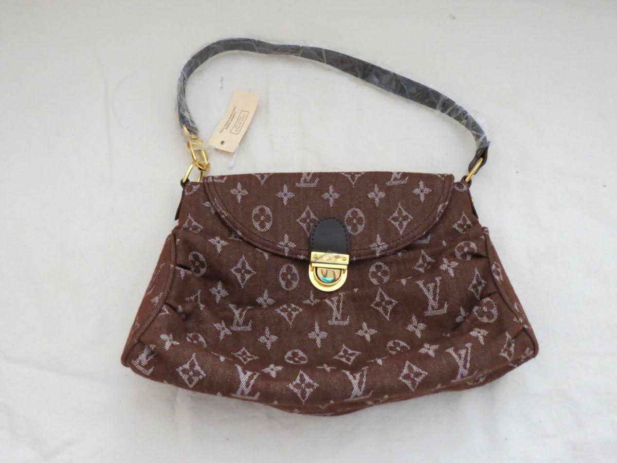 Сумка Louis Vuitton женская из текстиля новая