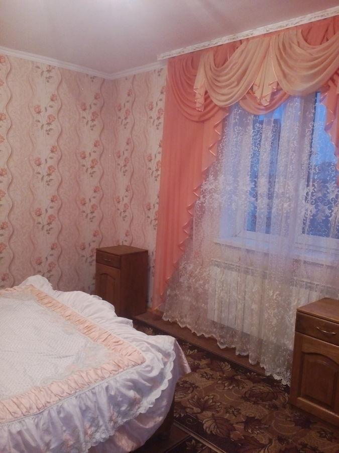 Сдам просторную,комнату для семейной пары.Святопетровское.