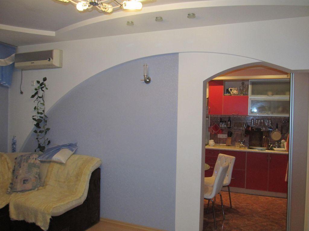 Сады-1, Продам просторную четырехкомнатную квартиру.
