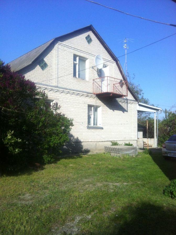 Продам дом под Киевом . с. Гнидын .