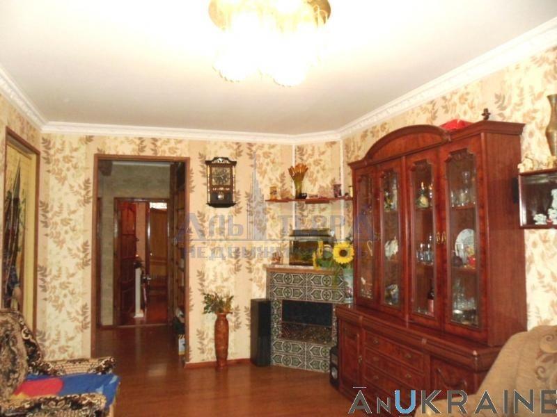 (078)Продам 5-ти комнатную квартиру ул.Ильфа и Петрова