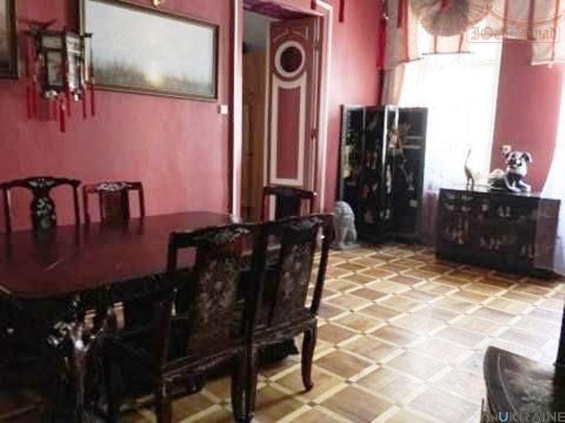 С- 740294.-Квартира в историческом центре на Дерибасовской.