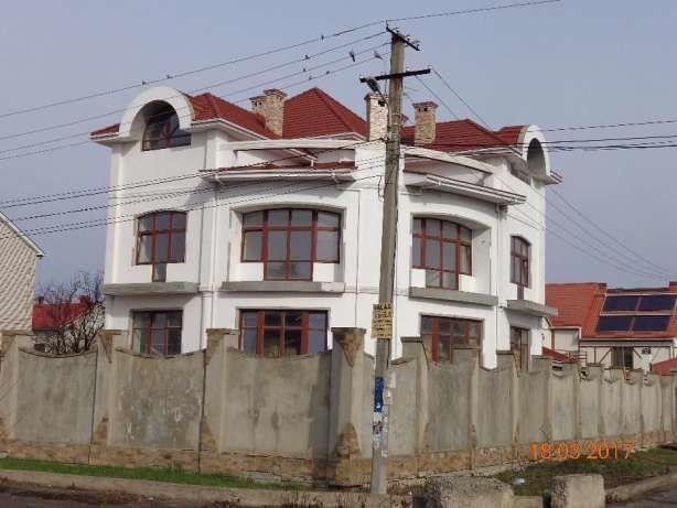 3х этажный дом в Царском селе на улице Пограничная