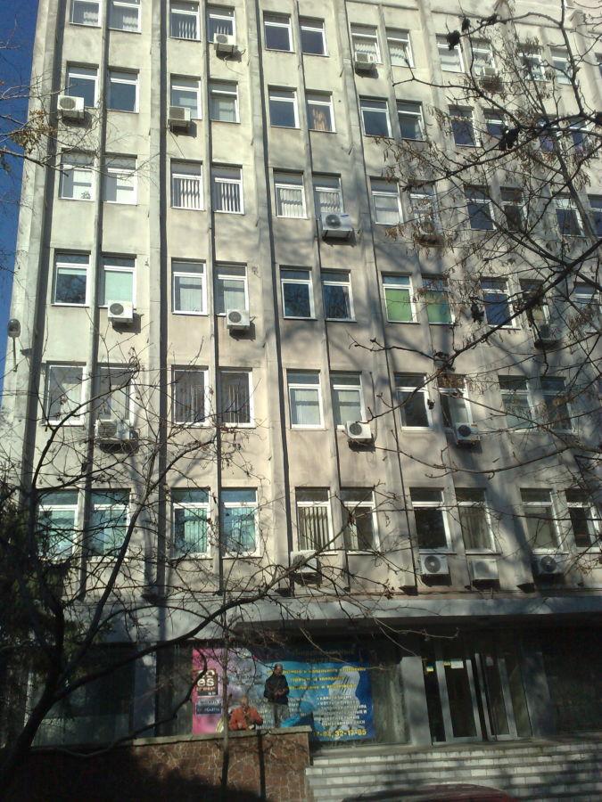 Фото 2 - Продам админ. здание 2460 кв.м. в центре г. Днепр
