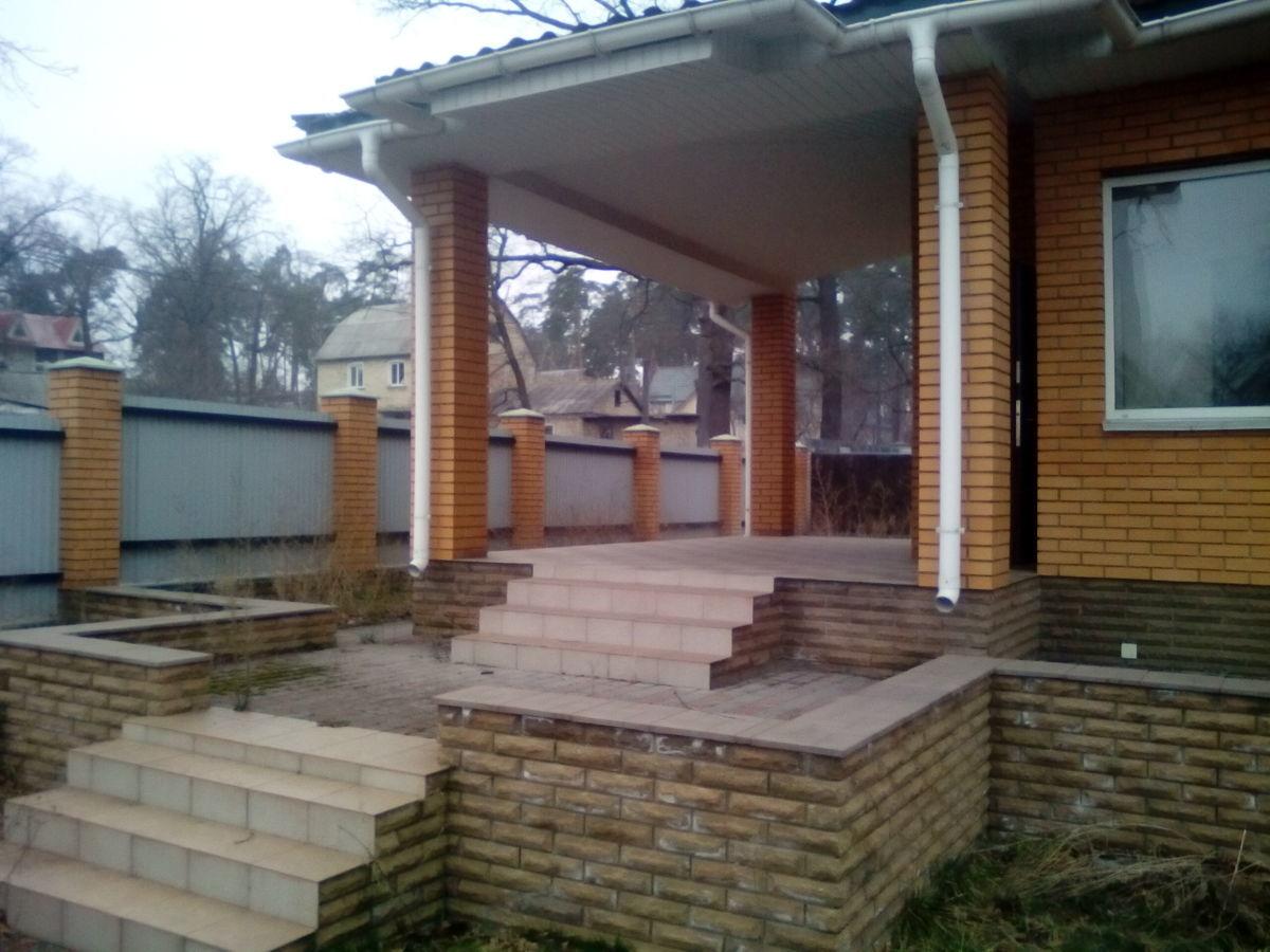 Добротный дом в Лесной Буче! С ремонтом.Подвал