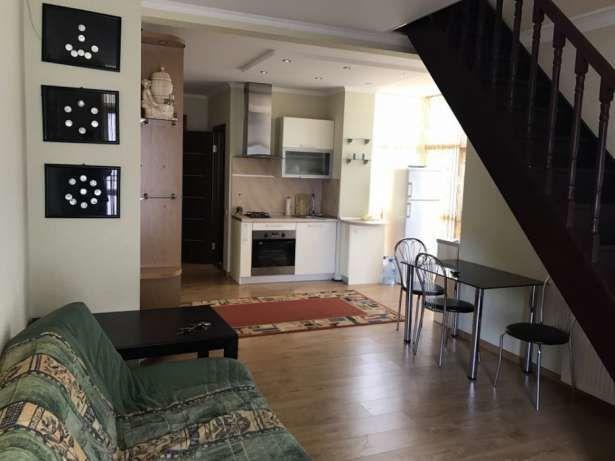 2-х ярусная квартира 82 кв.в центре.