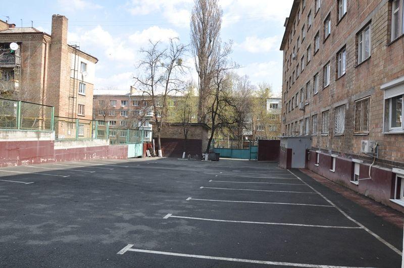 Фото 2 - Продажа участка с офисным зданием, все в собственности, м.Голосеевская